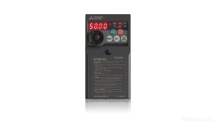 Electrobit - Sagedusmuundur FR-D700: Mitsubishi FR-D700 sagedusmuundur